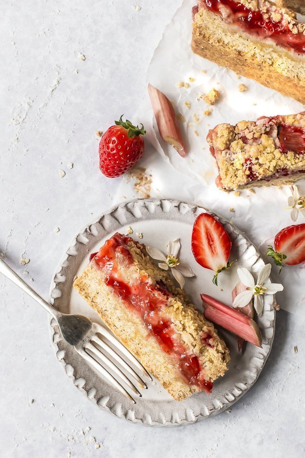 Decorated strawberry rhubarb crumble bars